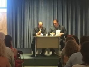 Agustín Biancardi, de editorial Rama Negra, y Juan A. Siegenthaler, autor del libro.
